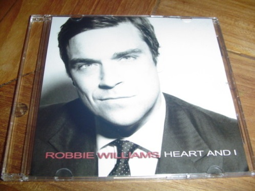 http://robbiewilliamsmusic.ru/wp-content/gallery/news-blog/1hai.jpg