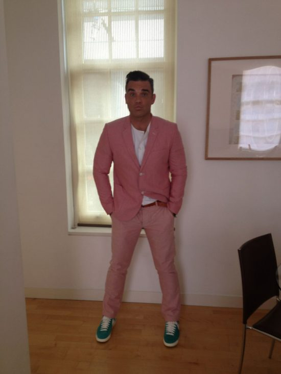 http://robbiewilliamsmusic.ru/wp-content/uploads/2012/08/new_one.jpg